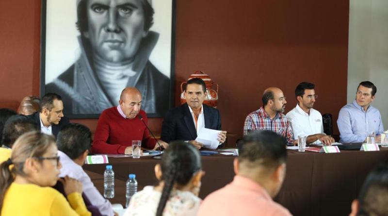 Educación en pueblos y comunidades indígenas, primordial para su desarrollo: Silvano Aureoles