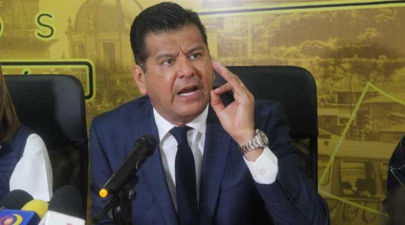 Riesgoso, desestimar advertencias de economistas: Juan Bernardo Corona