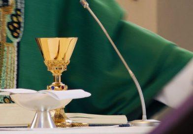 Sacerdote usaba limosnas para pagar orgías y drogas; ya fue detenido