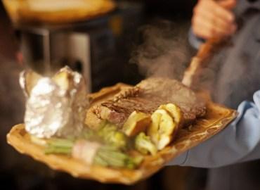 cowboysteak-dinner---c-silvretta-montafon_markus-gmeiner