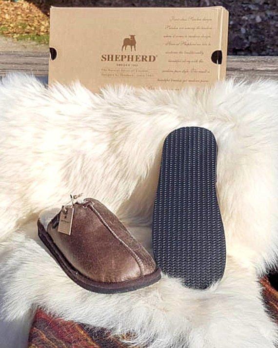 Shepherd Slipper Hugo Oiled Antique, hard sole mule