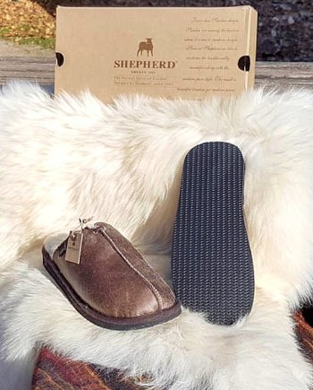 Shepherd Slipper Hugo Oiled Antique, hard sole mule