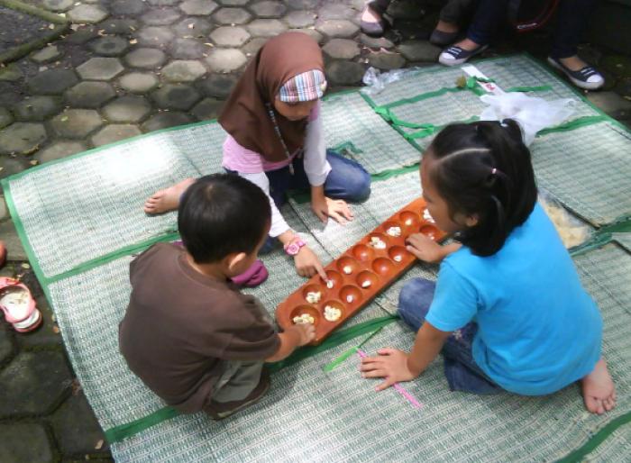 permainan tradisional sunda jawa barat congklak