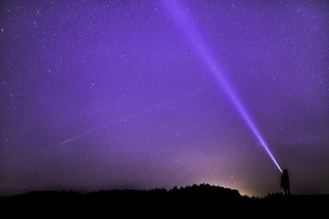 filosofi warna ungu