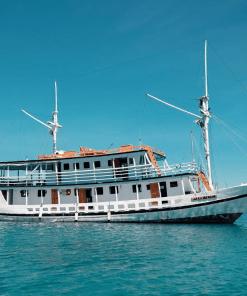 Sewa Kapal Lamborajo 1 Labuan Bajo Komodo