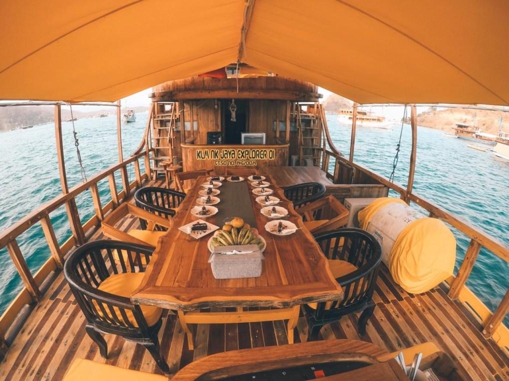 Kapal Phinisi NK JAYA Liveabaord 2