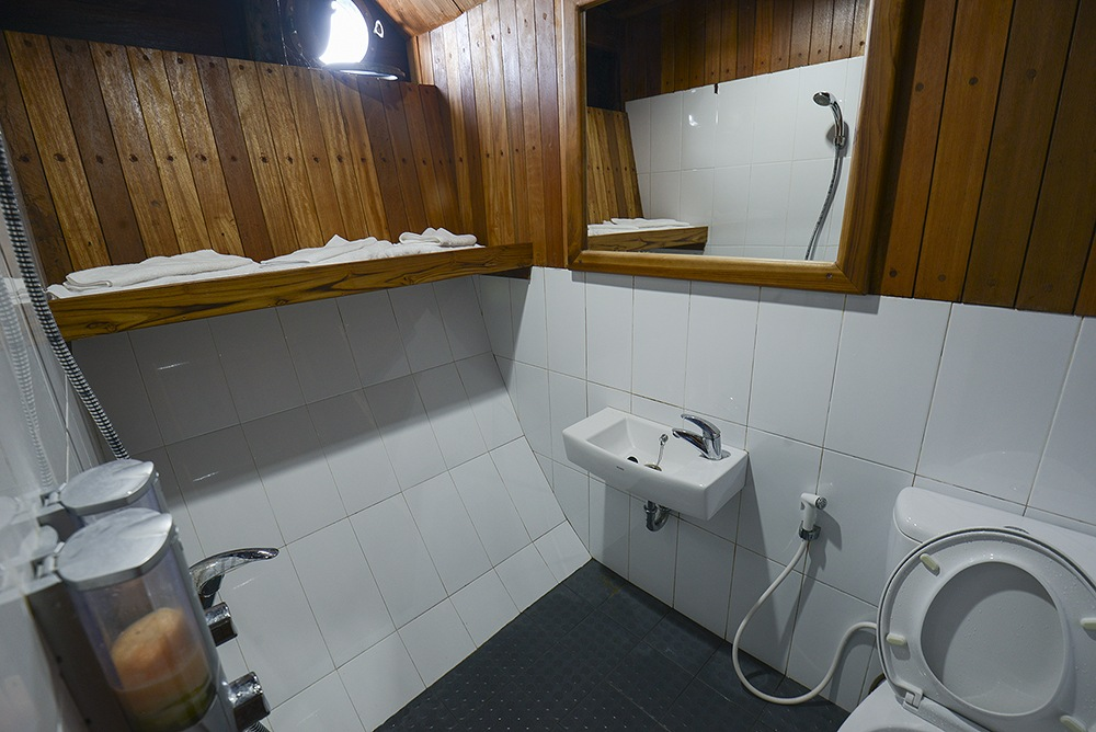 Toilet Adishree Liveaboard