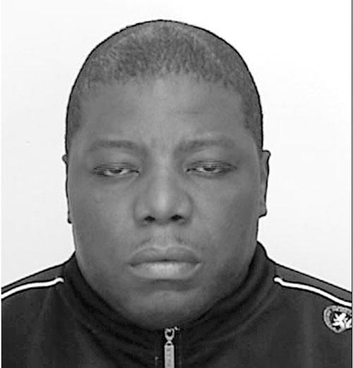 اندرو لوئیس، چهل و هفت ساله ساکن میسی ساگا از گردانندگان شرکت لکس کو است که اکنون با 12 اتهام کلاهبرداری بیش از 5000 دلار روبرو است