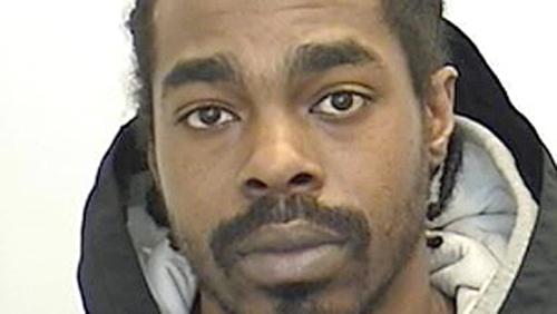 پلیس در جستجوی متهم دیگر پرونده کری مک نایت، 30 ساله اهل تورنتو، او بیش از 200 جرم مرتبط با اسلحه را در پرونده خود دارد و احتمالا مسلح و خطرناک است