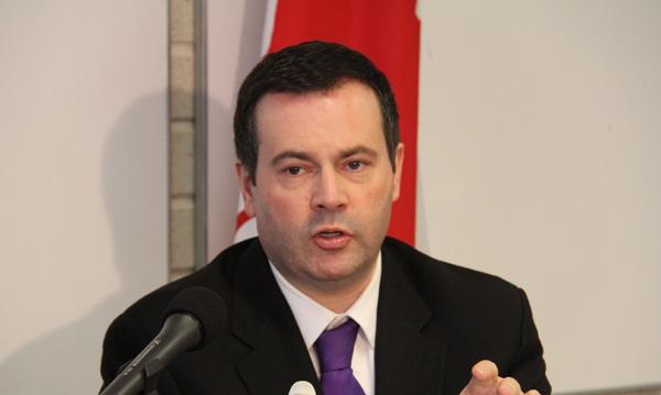 جیسون کنی: تمرکز اولیه من این است که مهاجرت برای کانادا مفید میباشد، بنابراین مهاجران باید بتوانند شغل خوب بدست آورند... - عکس از سلام تورنتو