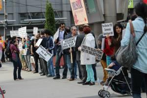 تظاهرکنندگان انتخابات آزاد در تورنتو