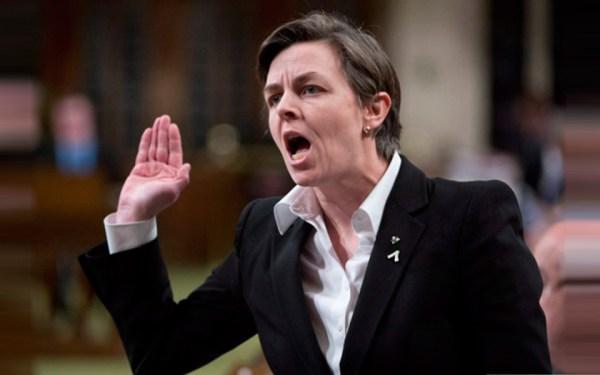 کلی لیچ کاندیدای رهبری حزب محافظه کار گفته در مورد نظرخواهی او از مردم  (پیشنهادش برای آزمون مهاجران در باره ارزشهای کانادایی) در آینده از او بیشتر خواهید شنید.