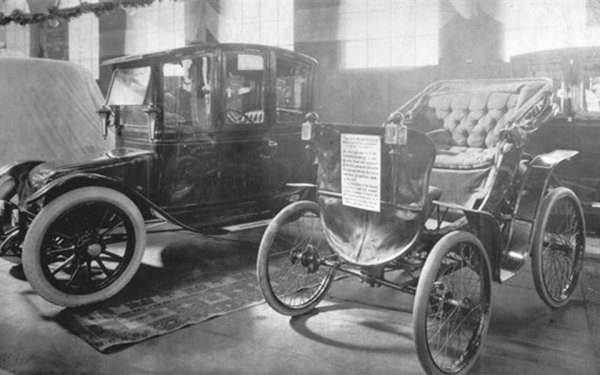 ساخت اولین  اتومبیل برقی جهان در تورنتو