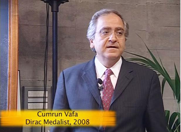صحنه ای از سخنرانی کامران وفا برنده مدال دایراک از آی سی تی پی، ۲۰۰۸ RecipienctDirac Medal of the ICTP International Centre for Theoretical Physics