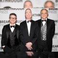 از راست: کامران وفا، جوزف پلچنسکی و اندرو استرومینگر برندگان جایزه فیزیک بنیادی