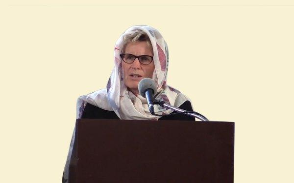 کاتلین وین نخست وزیر انتاریو در مسجد مسلمانان اتاوا حضور یافت