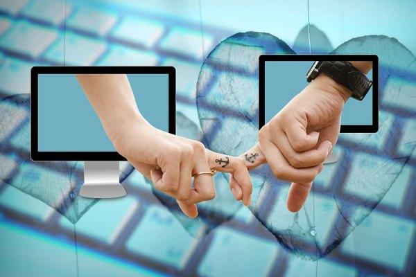 در سال گذشته 748 کانادایی گرفتار دام سایت های قول و قرار آنلاین شده و پیش از 17 میلیون دلار زیان دیدند.