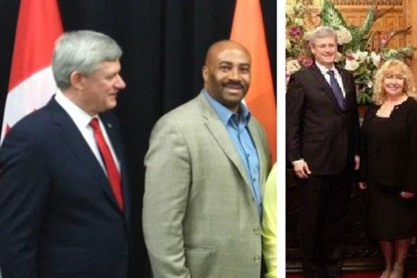 (راست) سناتور لین بی یک و (چپ) سناتور دن مردیث در کنار استفن هارپر نخست وزیر سابق کانادا.