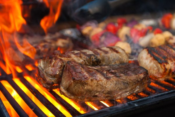 Grilling-Meat-on-the-Barbecue