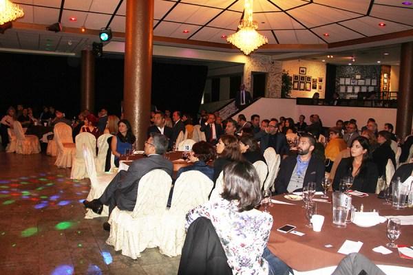 قریب به 200 نفر در میهمانی کنگره ایرانیان در رستوران شیراز حضور یافتند.