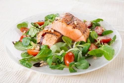 Постные салаты с рыбой на праздничный стол: рецепты с фото ...