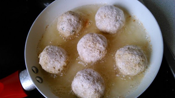 Karfiolfasírt sütése kókuszolajban