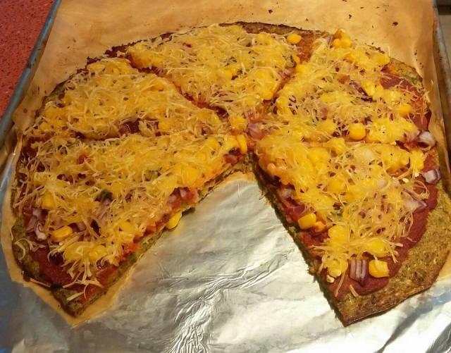 karfiol alapú pizza (karfiolpizza)