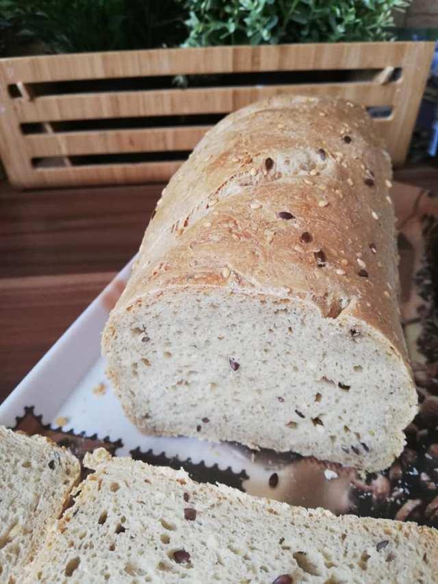 Szénhidrátcsökkentett kenyér házilag, kenyérsütőgépben