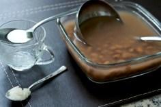 Ingredientes: feijão pré-cozinho, sal com alho, óleo