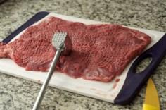 Bata a carne até obter o tamanho desejado