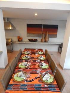 Mesa posta para o jantar africano