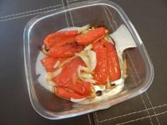 Pimentão assado com cebola e alho