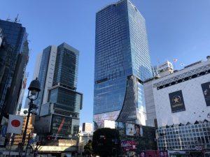 渋谷スクランブル交差点から見た渋谷スクランブルスクエア