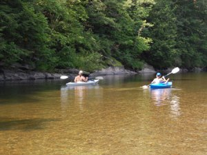 battenkill river with kayakers