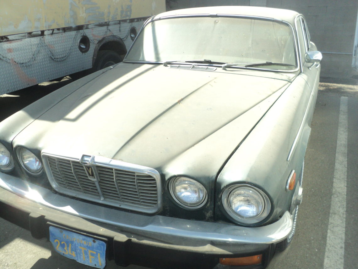 SALE MAKER AUCTIONS - 1976 XJ12