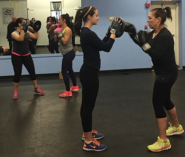 Group Exercise Boxing Drills Get Women Hooked On Powerful Punches For A High Intensity Cardio Workouts Salem Ma