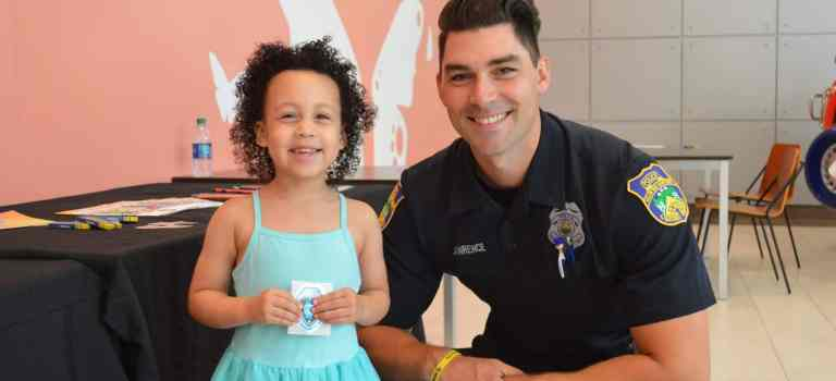 Salem Police Officer Attends Back to School Toddler Tuesday Event at the Mall at Rockingham Park