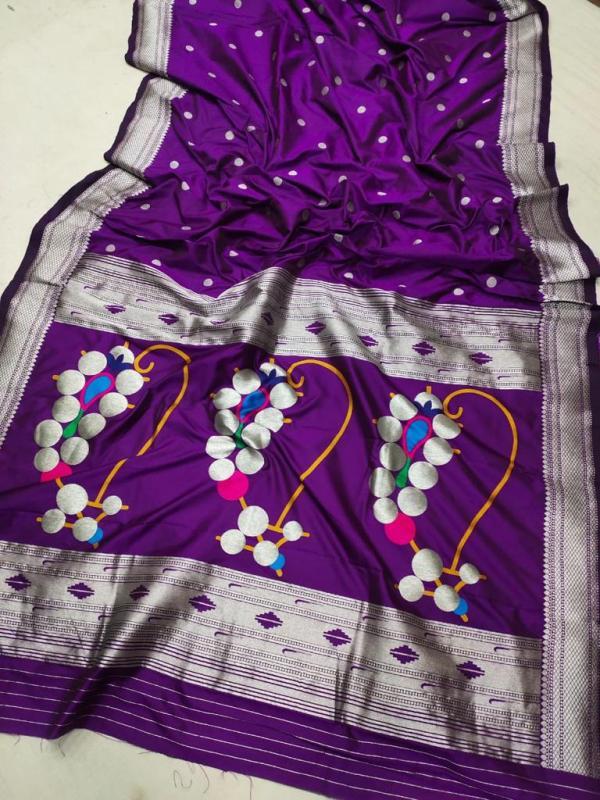 Nath Pallu Traditional Paithani Saree - Purple