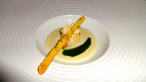 Scallop with Vanilla Cauliflower Cream.