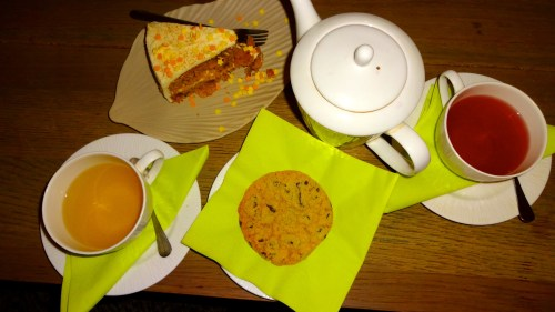 White and Fruit Tea with Carrot Cake and Chocolate Chip Cookie.
