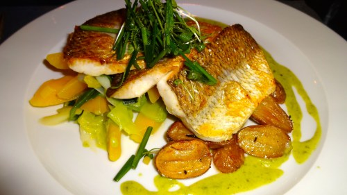 Fish from Lake Lucerne with Wild Garlic Sauce, Baby Potatoes and Carrots (8.5/10).