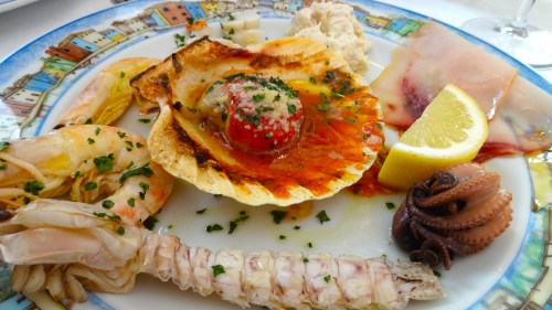 Mixed Seafood Appetizer (5/10).