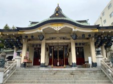 Namba Yasaka Shrine.