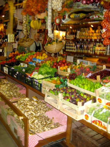 San Lorenzo Central Market.