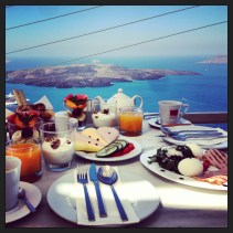 Complimentary Breakfast Everyday with a Stunning View!