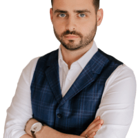 Adam_Dębowski_zdjęcie_październik_2019__1_-removebg-preview