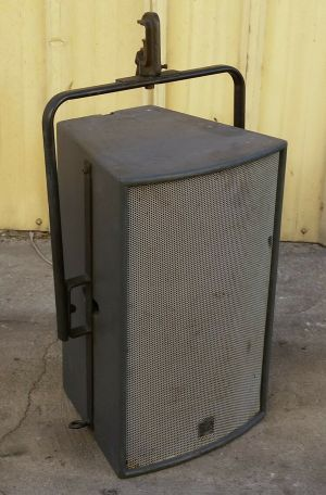 Martin Audio W3 Wavefront three-way compact trapezoid Speaker