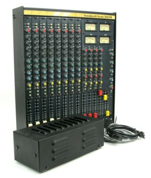Soundcraft 200SR 8-Ch 4-Bus Analog Mixing Console w/ PS08S Mixer Power Supply