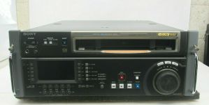 SONY HDW-D1800 CINEALTA HDCAM RECORDER PLAYER 1231 D-HRS