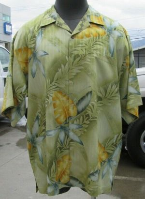 Tommy Bahama Casual Button Up Shirt Short Sleeve Green Tropical L 100% Silk